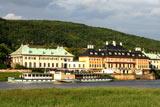 el Palacio Pillnitz y unos barcos de vapor